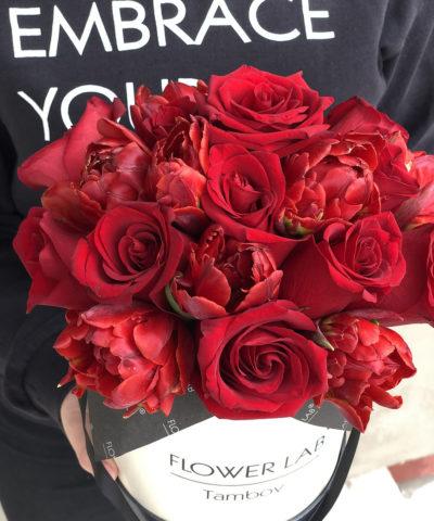 "Цветы в коробке ""Love YOU"""