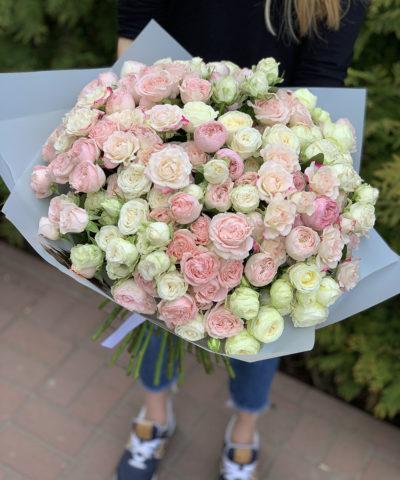 Микс сортовых и пионовидных кустовых роз (51 шт)