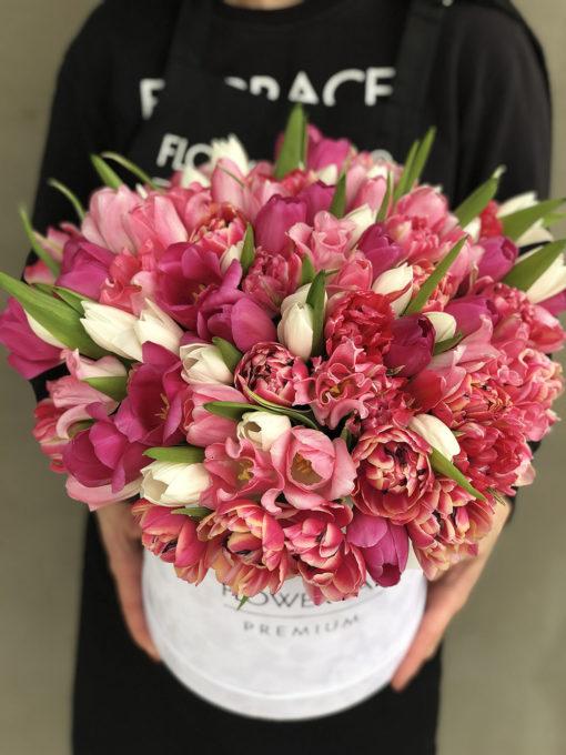 Цветы в коробке «Вместо тысячи слов…»