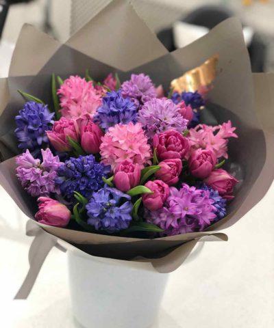 Гиацинты с тюльпанами